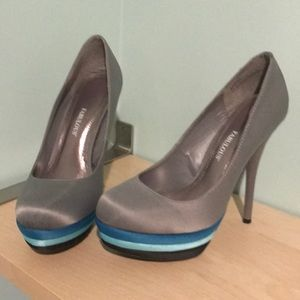 Women's gray and blue heels size 7.5